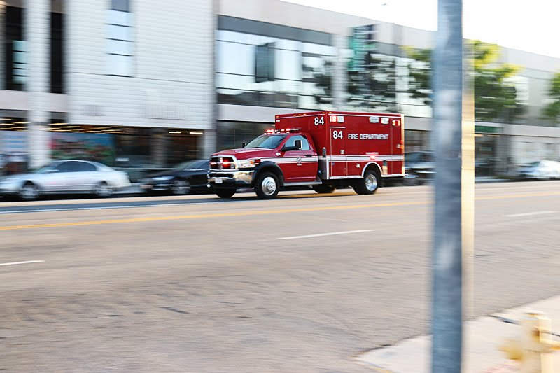 Centennial, CO – Injuries Reported in Collision on E Peakview Ave